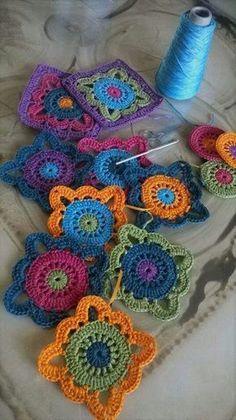 Transcendent Crochet a Solid Granny Square Ideas. Inconceivable Crochet a Solid Granny Square Ideas. Crochet Doily Rug, Granny Square Crochet Pattern, Crochet Blocks, Crochet Squares, Love Crochet, Crochet Granny, Crochet Crafts, Crochet Flowers, Crochet Stitches