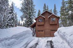 NEW TO MARKET 11386 Zermatt Drive, Truckee 4 BD l 3 BA l 2,500 s.f.