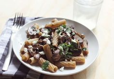 Easy homemade dinners via A Beautiful Mess. Pasta cooked in wine with mushrooms, goat cheese, parsley.