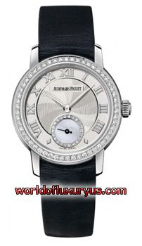 77228BC.ZZ.A001MR.01 - Brushed/Satin finished 18kt White Gold case. Bezel set with 54 Top Wesselton IF Quality brilliant (round) cut diamonds weighing approximately 0.45 carats. - See more at: http://www.worldofluxuryus.com/watches/Audemars-Piguet/Jules-Audemars-Lady/77228BC.ZZ.A001MR.01/62_355_3143.php#sthash.qwjvs6hl.dpuf