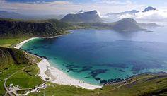 Carreteras panoramicas. La playa de Haukland al norte de Leknes en Vestvågøy, Noruega - Fotografía: Bård Løken/Statens vegvesen