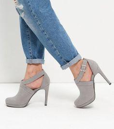 Sandales grises à talons confortables et brides arrière en suédine