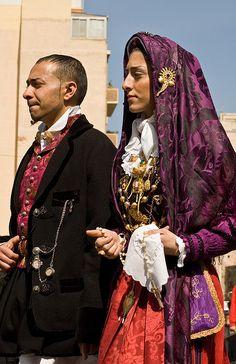 Costumi di Quartu Sant'Elena #sardinia #sardegna
