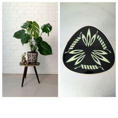 Vintage Blumenhocker, Beistelltisch 50ziger, Mosaiktisch, Rockabilly, Vintage Hocker, Blumenbank, Hocker, Mid Century Interior, Blumenbank von moovi auf Etsy