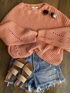 Perfect outfit for those upcoming beach nights Cute Summer Outfits For Teens, Cute Comfy Outfits, Teenage Girl Outfits, Lazy Outfits, Cute Casual Outfits, Teen Fashion Outfits, Teenager Outfits, Everyday Outfits, Summer Clothes