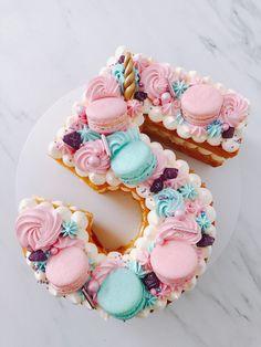 Chocolate and ricotta cake - HQ Recipes Girly Birthday Cakes, Number Birthday Cakes, 15th Birthday Cakes, Girly Cakes, Beautiful Birthday Cakes, Sweet Cakes, Cute Cakes, Number 5 Cake, Alphabet Cake