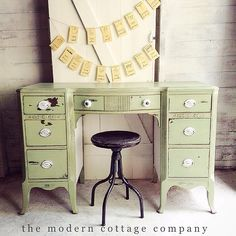 Desk painted in @missmustardseed Milk Paint Lucketts Green and @generalfinishes Snow White