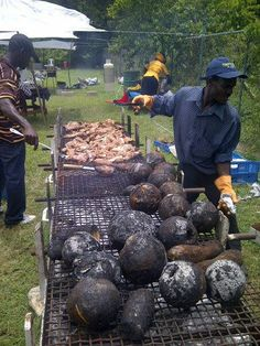 Roast breadfruit and jerk chicken on the grill #jamaicanjerk #breadfruit