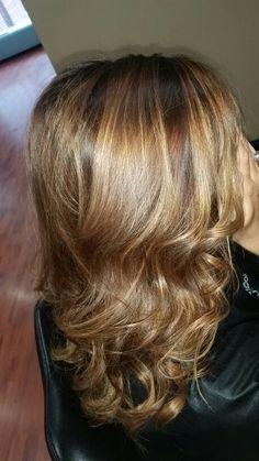 Hair by Brandi Dye 912.489.1345 Tigi copy right colour #tigicopyrightcolour #balayage #honeyblonde #beautylaunchpad #tigicopy #texturessalon #browntoblond #blonde #longhair #haircolor #hairpaint #freehand
