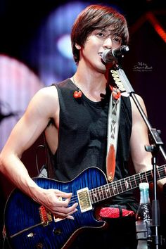 Jung Yong Hwa @ CNBLUE Can't Stop Live in Shanghai 140615