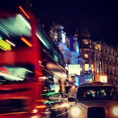 #bus #taxi #piccadillycircus #piccadilly #night #picoftheday #picofday #picofthenight #regentstreet #street #regent #color #berlin0280 #london  by @berlin0280