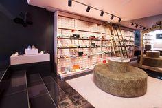 Projects COMMERCIAL - Pretty Ballerines, Barcelona   URBATEK - PORCELANOSA Grupo #tiles #PorcelainTiles #PorcelánicoTécnico #floors #pavimento #interiorism #interiorismo #interiordesign #diseñointerior #materials #decor  #luxury