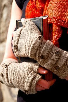 Sokol fingerless mitts by Melanie Berg Fingerless Gloves Knitted, Knit Mittens, Knit Fashion, Sweater Fashion, Wrist Warmers, Knit Crochet, Knitting Patterns, Accessories Online, Winter Accessories