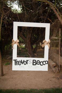 cute polaroid photobooth idea