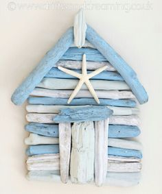 Driftwood Beach Hut ! Great DIY Idea !