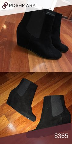 Women's booties Stuart Weitzman suede ankle boots in perfect condition, worn one time. Stuart Weitzman Shoes Ankle Boots & Booties