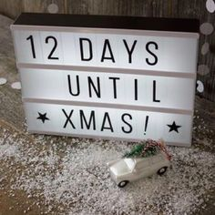 Are you interested in our cinema light box gift? With our lightbox personalised christmas day you need look no further. Lightbox Letters, Diy Letters, Lightbox Quotes, Cinema Light Box Quotes, Cinema Box, Light Up Message Board, Light Board, Letter Lamp, Days Until Xmas