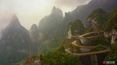 Одна из самых страшных дорог мира (Китай, Zhangjiajie)