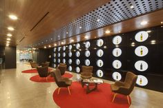 http://officesnapshots.com/wp-content/uploads/2015/11/diageo-office-design-16-1200x800.jpg