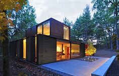 Gallery of Pleated House / Johnsen Schmaling Architects - 8