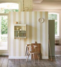 Papier peint rayures, Villa by Raffi : http://www.papierspeintsdirect.com/duet-lin-et-ecru-papier-peint-villa-raphael-by-raffi.html #rayures #wallpaper #papierpeint