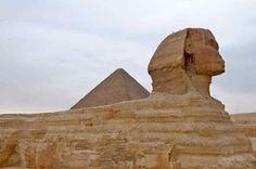 Escursione al Cairo in Bus da sharm ; vivrete un'esperienza indimenticabile visitando le tre Piramidi di Giza, il Museo Egizio, oltre al famoso mercato di Khan el Khalili, uno dei più grandi bazar del Medio Oriente. http://www.italian.book-tour-egypt.com/show.php?bsort=Sharm%20El%20Sheikh%20%20%20%20%20%20%20%20%20%20%20%20%20%20%20%20%20&subsort=Escursioni%20Culturali%20Sharm%20%20&page=Cairo%20in%20bus%20da%20Sharm&trip=show
