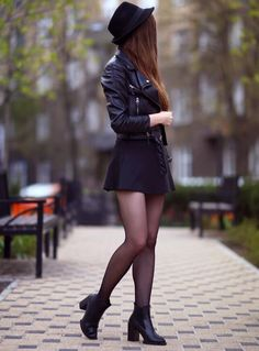 25 Winter College Outfits with Skirts - Blazers & Chic - . - 25 winter college outfits with skirt – blazer & chic – - Trendy Outfits, Fall Outfits, Cute Outfits, Fashion Outfits, Dress Fashion, Fashion Tights, Black Outfits, Fashion Ideas, Night Outfits