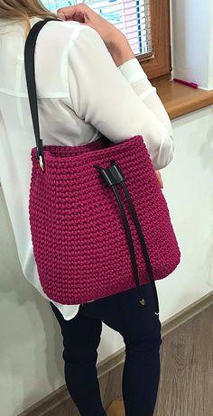 Trend Handbag, Shoulder Bag, Backpack and Market Bag Designs. Page 62 Popular Crochet Bag Models. Trend Handbag, Shoulder Bag, Backpack and Market Bag Designs. Page 62 Beach Tote Crochet Pattern Free Crochet Bag, Crochet Tote, Crochet Handbags, Crochet Purses, Easy Crochet, Popular Crochet, Bag Pattern Free, Pattern Ideas, Modern Crochet