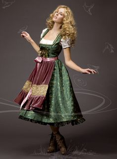Splendidly lovely hues at work here! #dirndl #dress #German #folk #costume #green