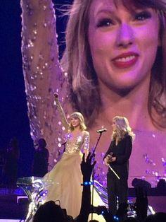 1989 World Tour 💋 Taylor Swift Meme, Taylor Alison Swift, Swift Tour, The 1989 World Tour, 1989 Tour, Devon Lee, Florence Pugh, Aubrey Plaza, Red Taylor