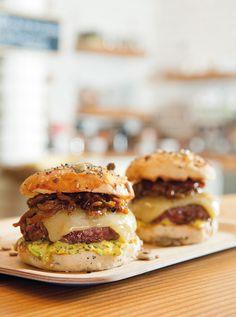 Burgers du comptoir la junk-food 100 % maison de Brice Morvent sur Glamourparis.com