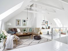 First-class Diy attic playroom,Attic staircase awesome and Attic organization loft conversions. Attic Living Rooms, Attic Bedroom Small, Attic Playroom, Attic Loft, Attic Spaces, Spacious Living Room, Living Spaces, Attic Office, Attic Bathroom