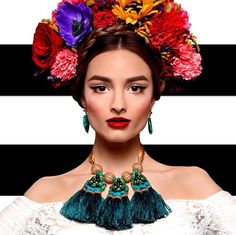 Discover recipes, home ideas, style inspiration and other ideas to try. Frida Kahlo Costume, Mexican Fashion, Mexico Style, Flower Crown, Halloween Costumes, Dress Up, Hair Beauty, Photoshoot, Boho