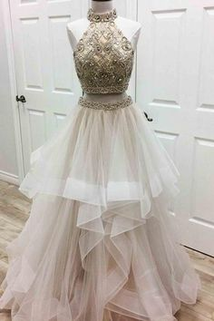 Material:Tulle,satins. Color: Please refer to color card, sometimes color difference will be existed, kindly please understand. Lead time: 15-30days (base on di