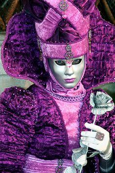 Venice Carnival Costumes, Venetian Carnival Masks, Carnival Of Venice, Venetian Masquerade, Masquerade Ball, Venice Carnivale, Venice Mask, Mardi Gras, Venitian Mask