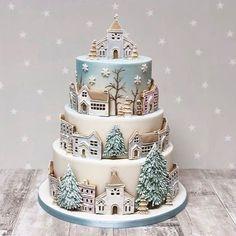 2019 Amazing Christmas Cake Ideas - Page 5 of 10 - Vida Joven Christmas Cake Designs, Christmas Cake Decorations, Christmas Sweets, Holiday Cakes, Christmas Baking, Christmas Cakes, Xmas Cakes, Pretty Cakes, Beautiful Cakes