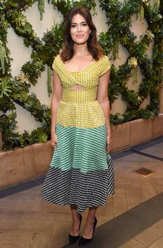 MANDY MOORE...she's beautiful, and the dress is