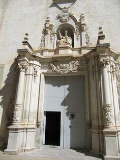 Fachada principal parroquia arciprestal de San Pedro Apóstol.
