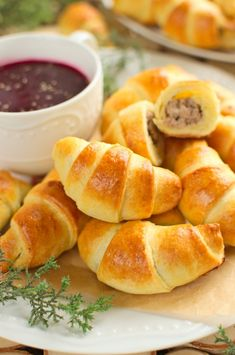 Paszteciki z mięsem Easter Recipes, Snack Recipes, Snacks, Cooking For Dummies, Creamy Spinach, Appetizers For Party, Pretzel Bites, Hot Dog Buns, Bakery