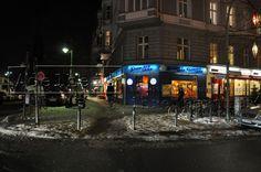Berliner Straßenzug am Winterfeldtplatz at Night (1)