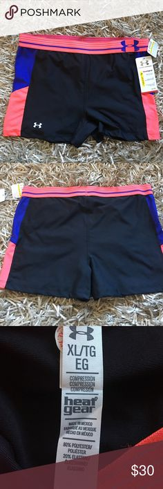 Under Armour heat gear shorts sz XL Breathable, lightweight and with a stellar fit, these shorts look just as good as they perform. Featuring a compression fit, these shorts offer support to hard-working muscles.They also boast 4-Way stretch fabrication for mobility and Signature Moisture Transport System to wick away sweat as you push your limits. On their own or as a base layer, these standout UA shorts are superstars in the gym. Features: Fabric - Polyester/elastane, Fit - Compression…