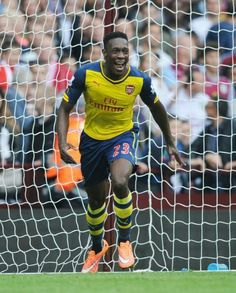 Welbeck scores his first goal for Arsenal against Aston Villa! Zach's favorite player on Arsenal!