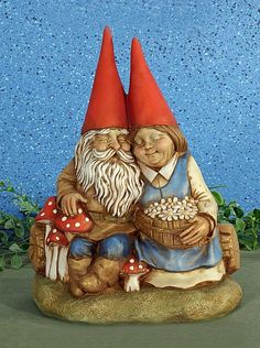 Vintage Garden Cozy Gnome Couple - Unpainted Ceramic Figurines. LOVE!