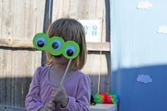 Photobooth thématique monstres ?? Toy Story Birthday, Diy Toys, Diy Hacks, Photo Booth, Hot Chocolate, Fall Wedding, Photos, Trick Or Treat, Bricolage