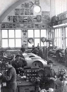Porsche spyder workshop.