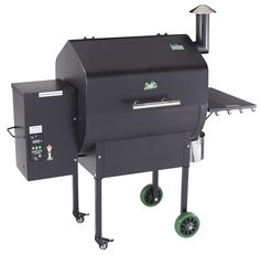 Green Mountain Grills Pellet Smoker - Daniel Boone WiFi will have you smoking like a professional in no time. Easy to use pellets make this pellet smoker Wood Pellets, Green Mountain Grills, Barbecue Smoker, Bbq Grill, Best Gas Grills, Best Smoker, Do It Yourself Organization, Best Charcoal, Wood