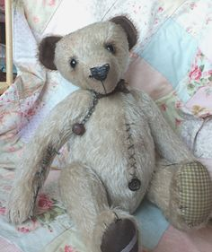 """Luca - 18"""" antique style teddy bear with growler and loose limbs. By Ragtail n Tickle. Available from http://www.charliebearsandfriends.co.uk"""