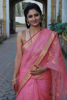 Gorgeous Look: Pink & Gold Party Wear #Cotton #Saree w/ Gota work