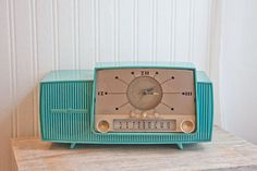 1950s Vintage Clock Radio Turquoise General Electric GE retro Atomic kitsch home decor mad men