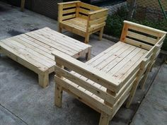 Pallet Lounge Chair | lot of pallet furniture is built for outside, but there is no reason ...